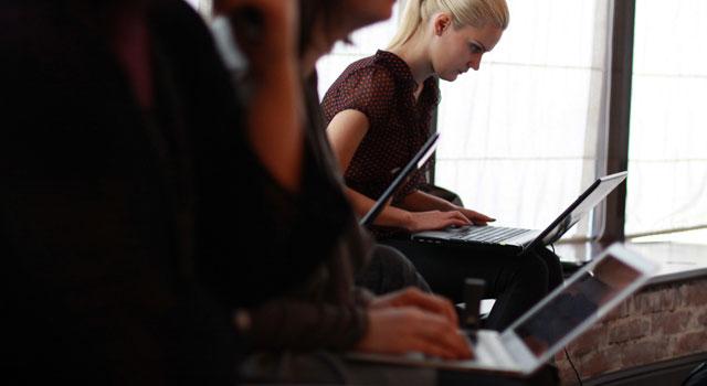 Особенности электронного документооборота в процессах управления персоналом трудовой договор суд прием на работу Помощь адвоката документооборот военный билет