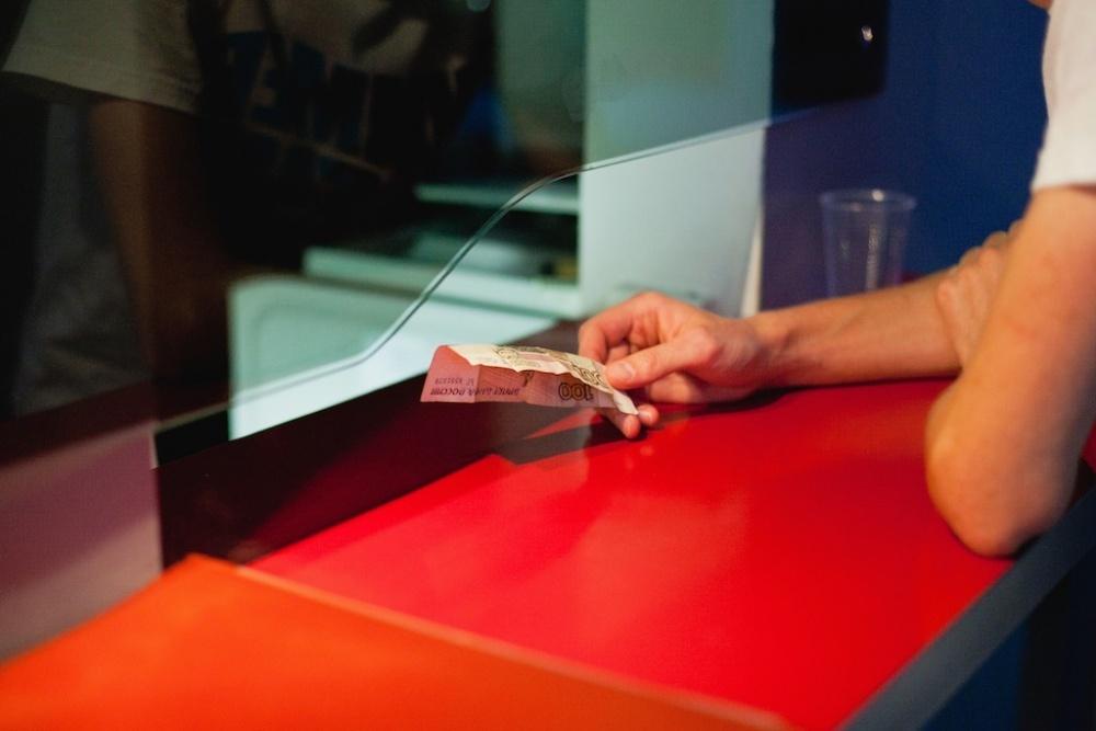 Как кредитору получить проценты с должника по денежному обязательству суд кредиты