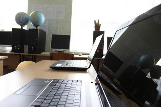 23/08/2012. Министерство образования и науки РФ займется обеспечением качественным интернетом всех российских школ.