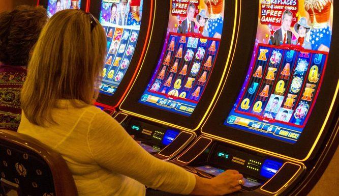 игровые автоматы на реальные деньги cash play avtomaty