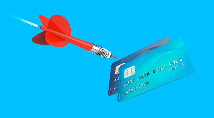 А зачем вам сразу много банковских карточек?