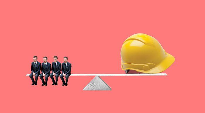 Когда проводится повторный инструктаж по охране труда?
