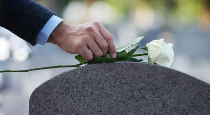 Вопросы и ответы о социальном пособии на погребение, которое платит работодатель